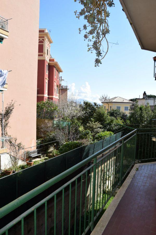 Bilocale Genova Via Vespucci 9