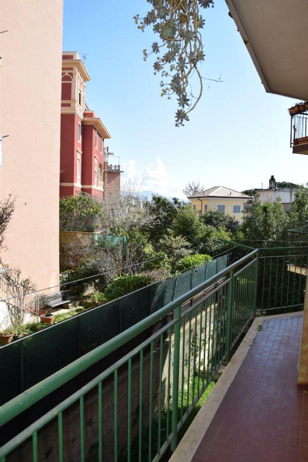 Bilocale Genova Via Vespucci 1