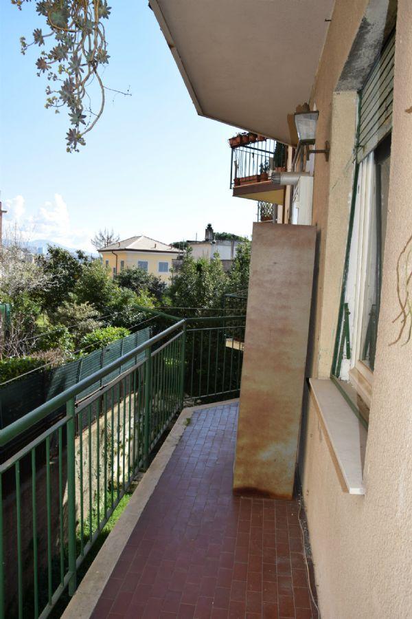 Bilocale Genova Via Vespucci 8