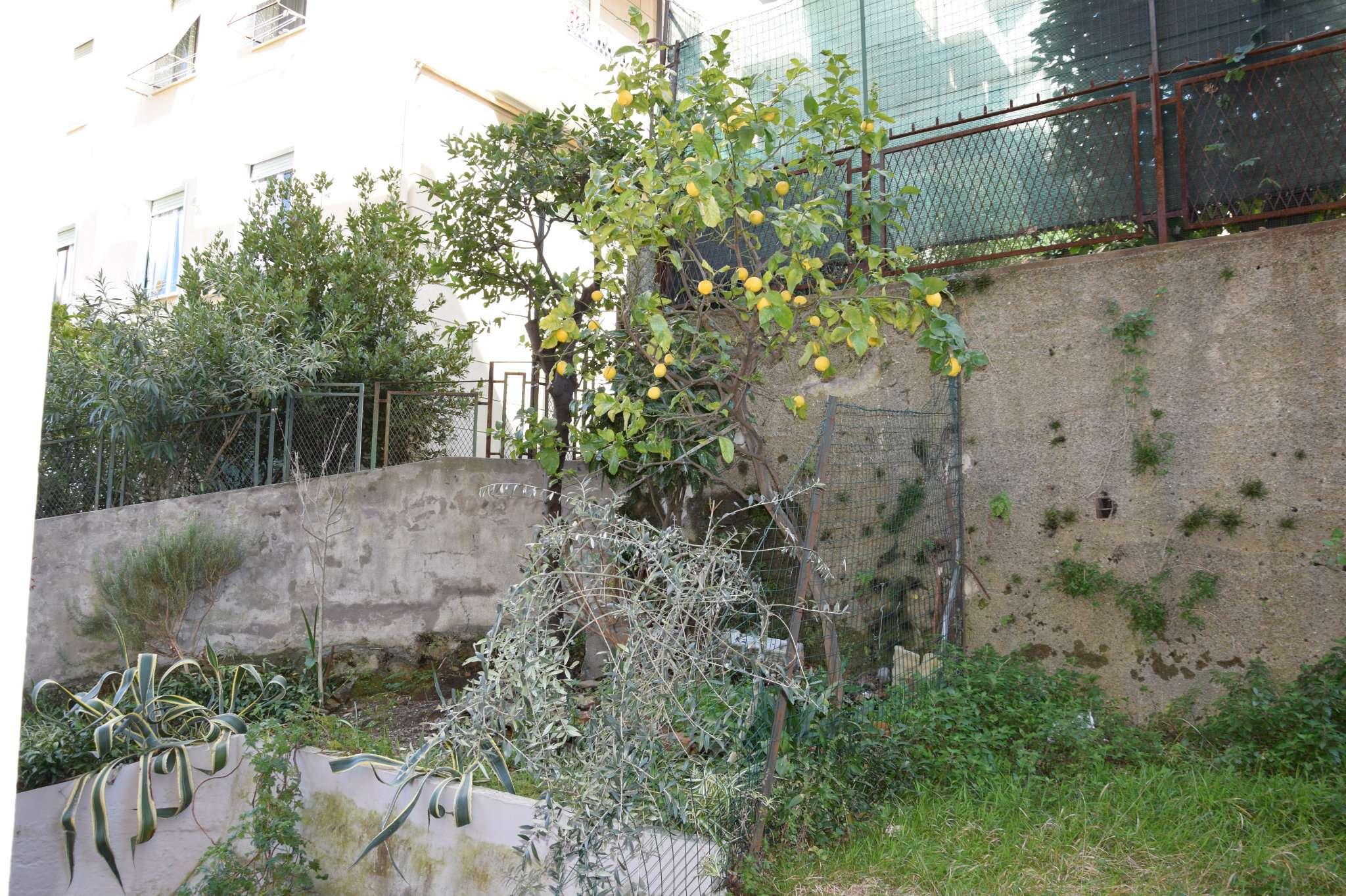 Bilocale Genova Via Vespucci 6