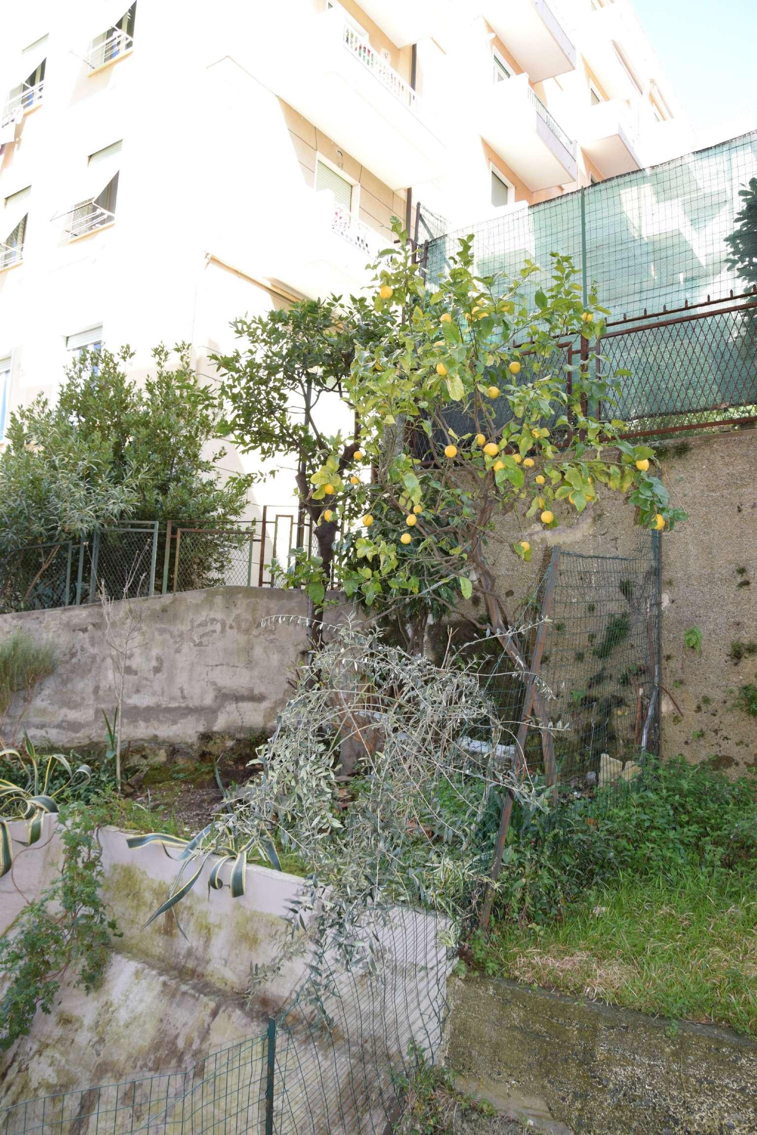 Bilocale Genova Via Vespucci 7