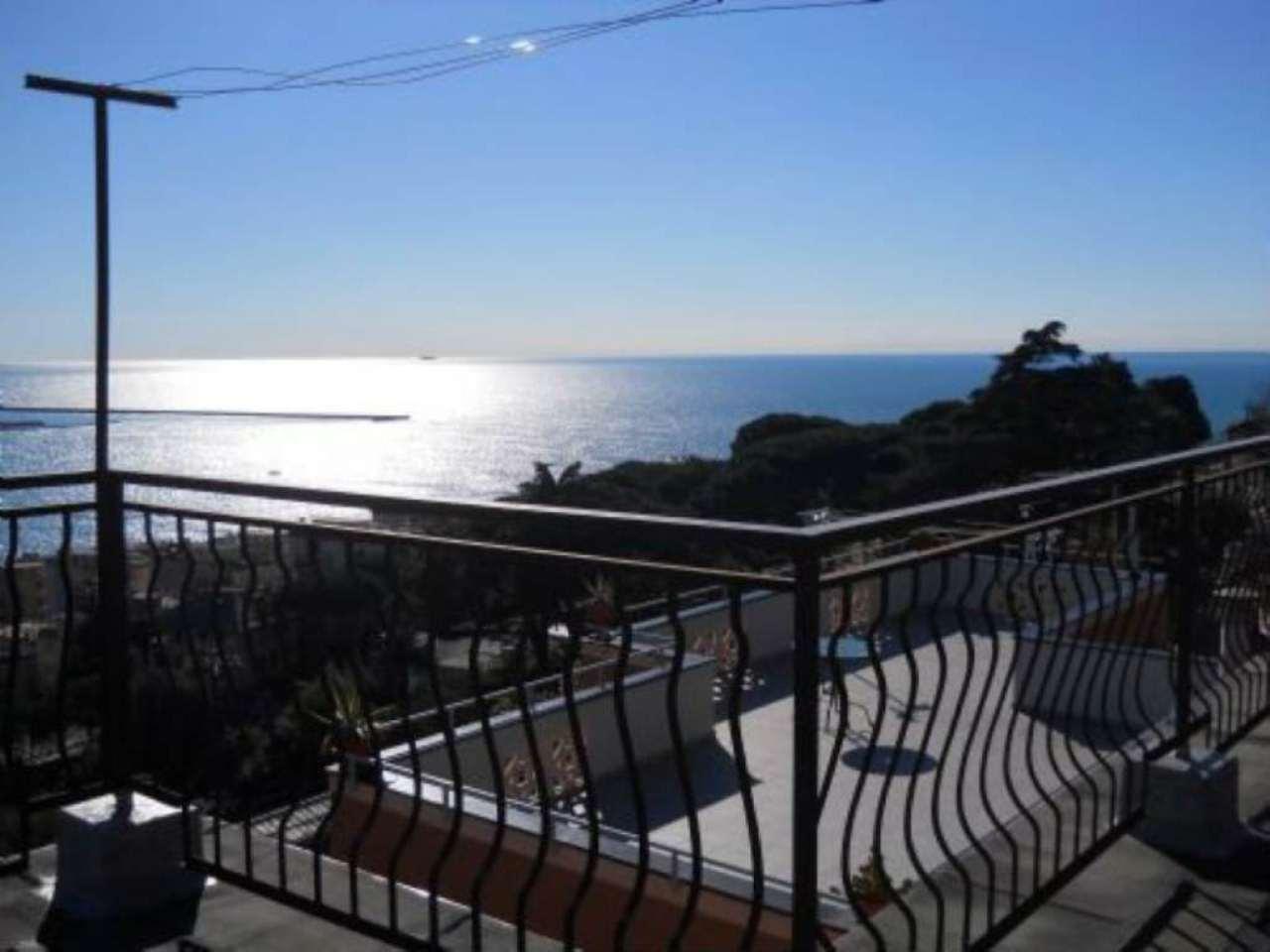 Villa in vendita a Genova, 6 locali, zona Zona: 14 . Pegli, prezzo € 700.000 | CambioCasa.it