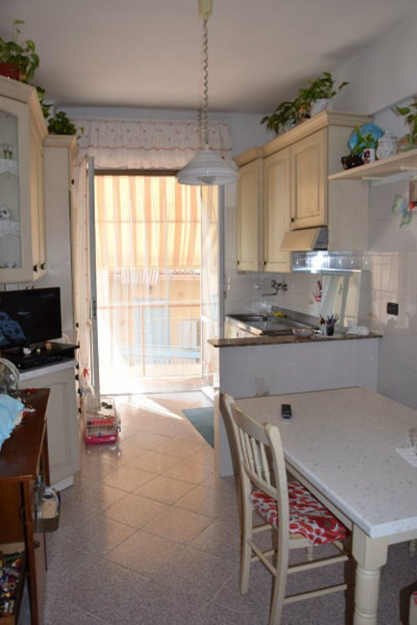Bilocale Genova Via Lero 2