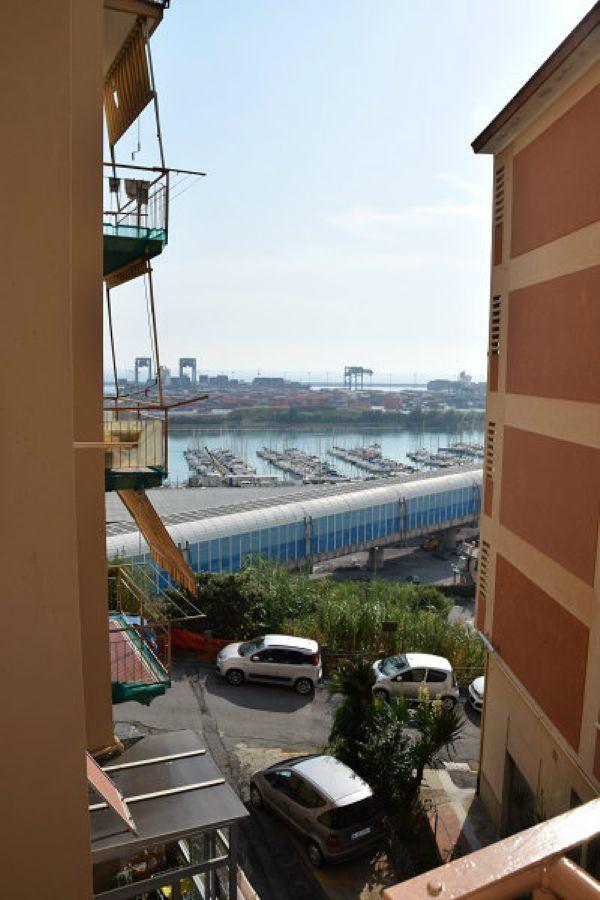 Bilocale Genova Via Lero 5