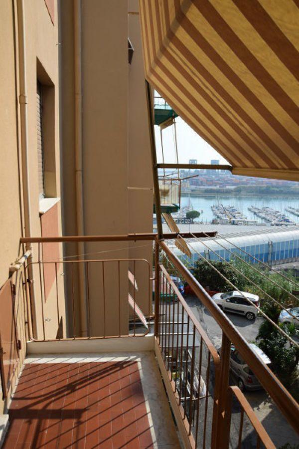 Bilocale Genova Via Lero 1