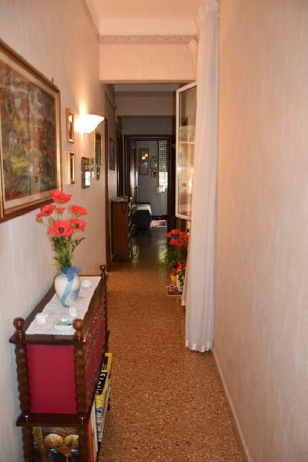 Bilocale Genova Via Lero 6