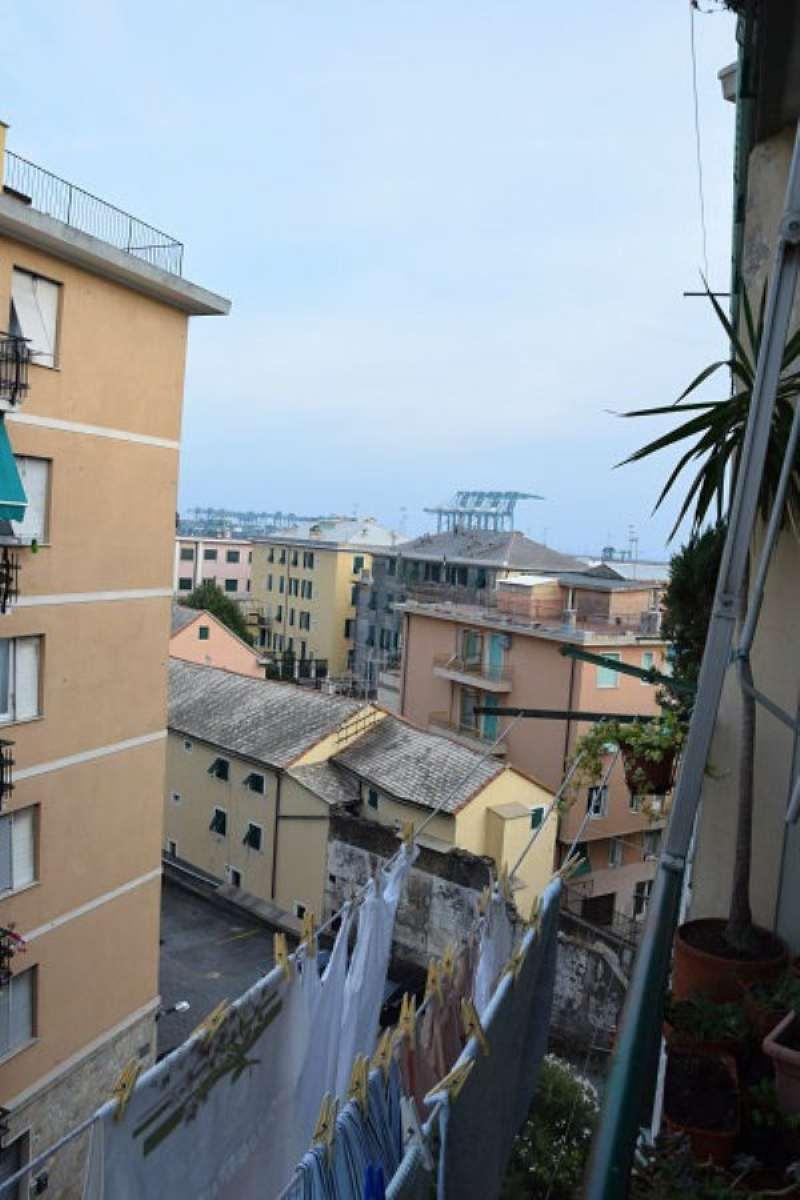 Bilocale Genova Via Alla Chiesa Di Pra 3