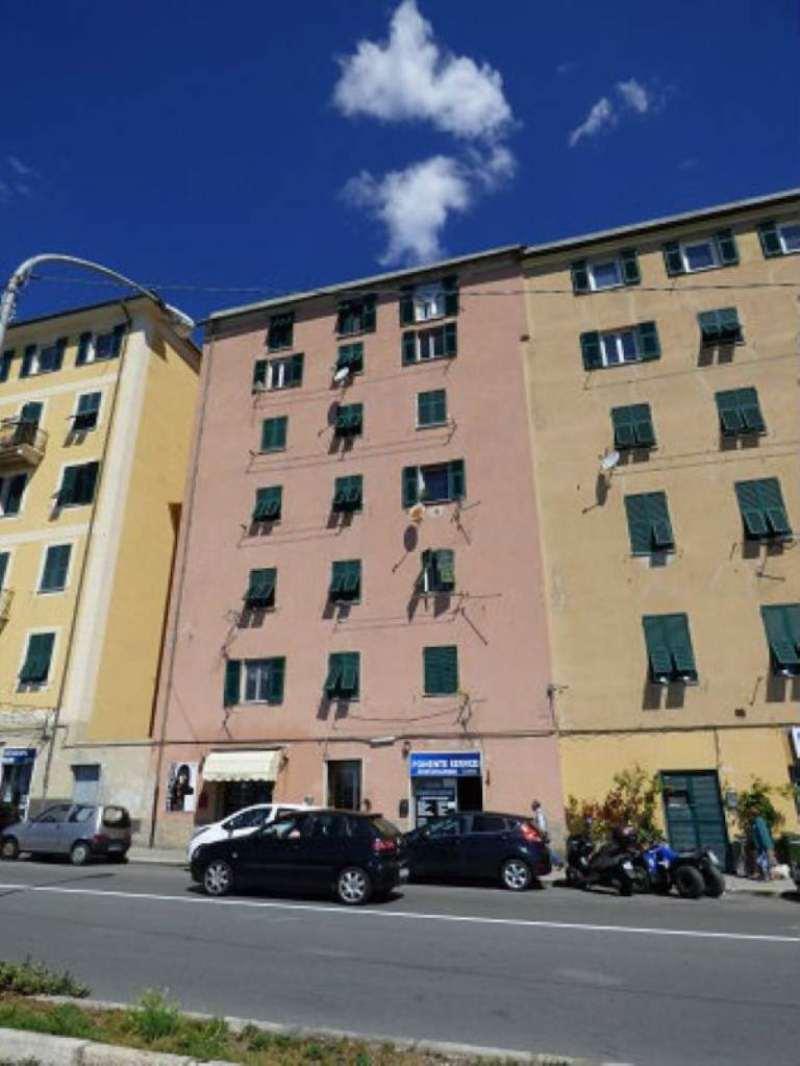 Bilocale Genova Via Pegli 8