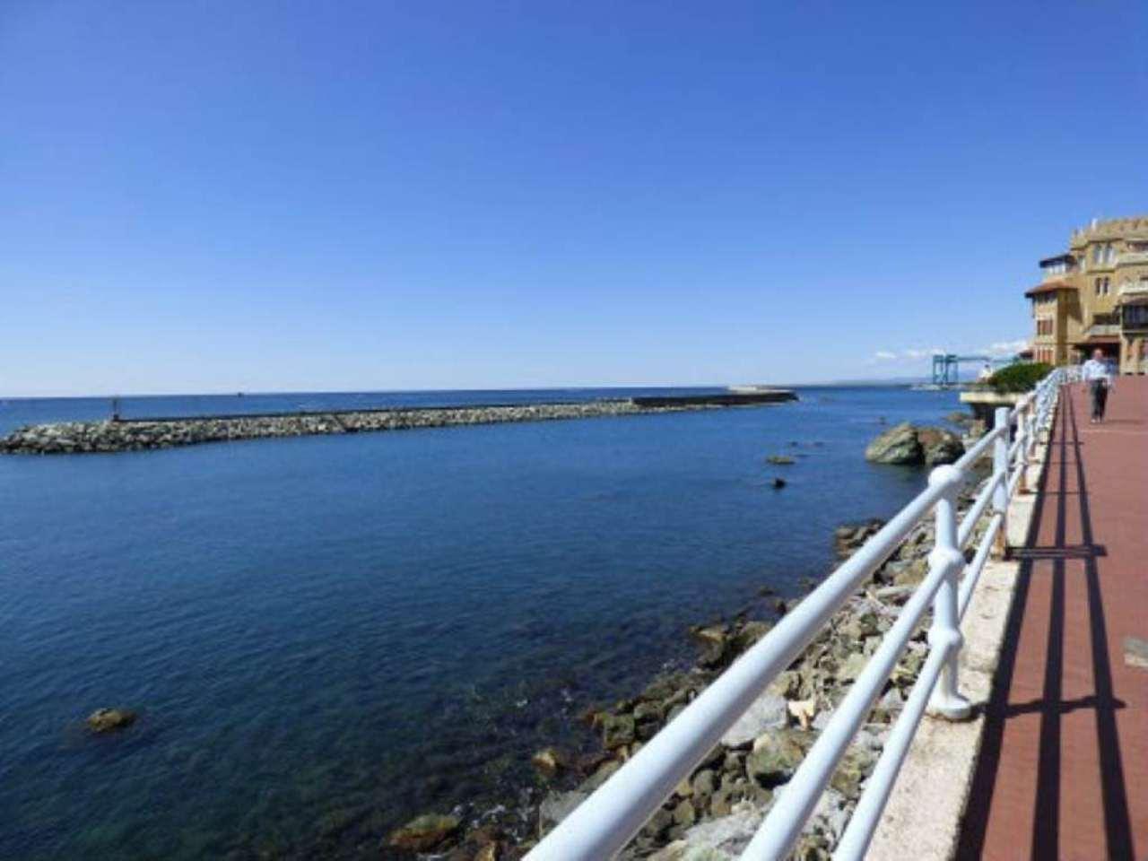 Bilocale Genova Via Pegli 9