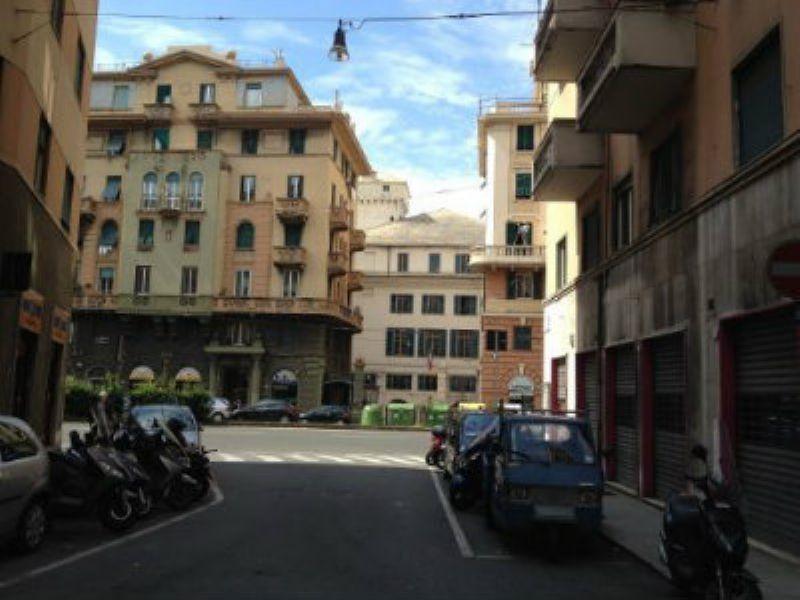 Bilocale Genova Via Pittaluga 5