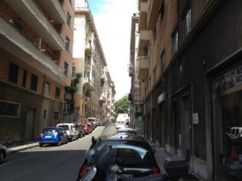 Bilocale Genova Via Pittaluga 6