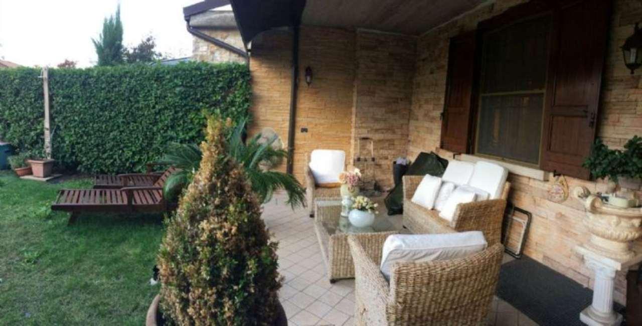 Villa in vendita a Calcinato, 5 locali, prezzo € 250.000 | Cambio Casa.it