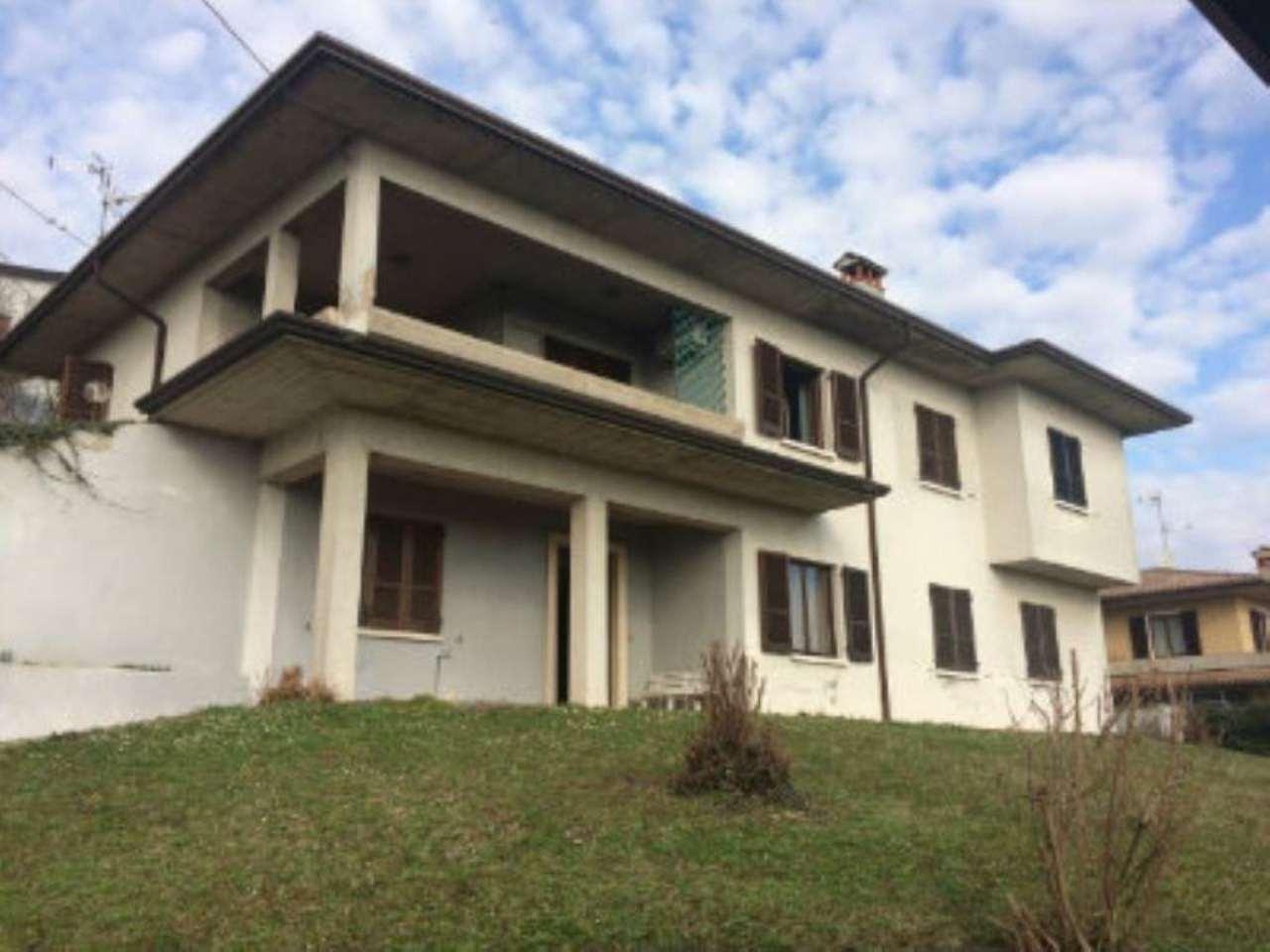 Villa in vendita a Calcinato, 6 locali, prezzo € 200.000 | Cambio Casa.it