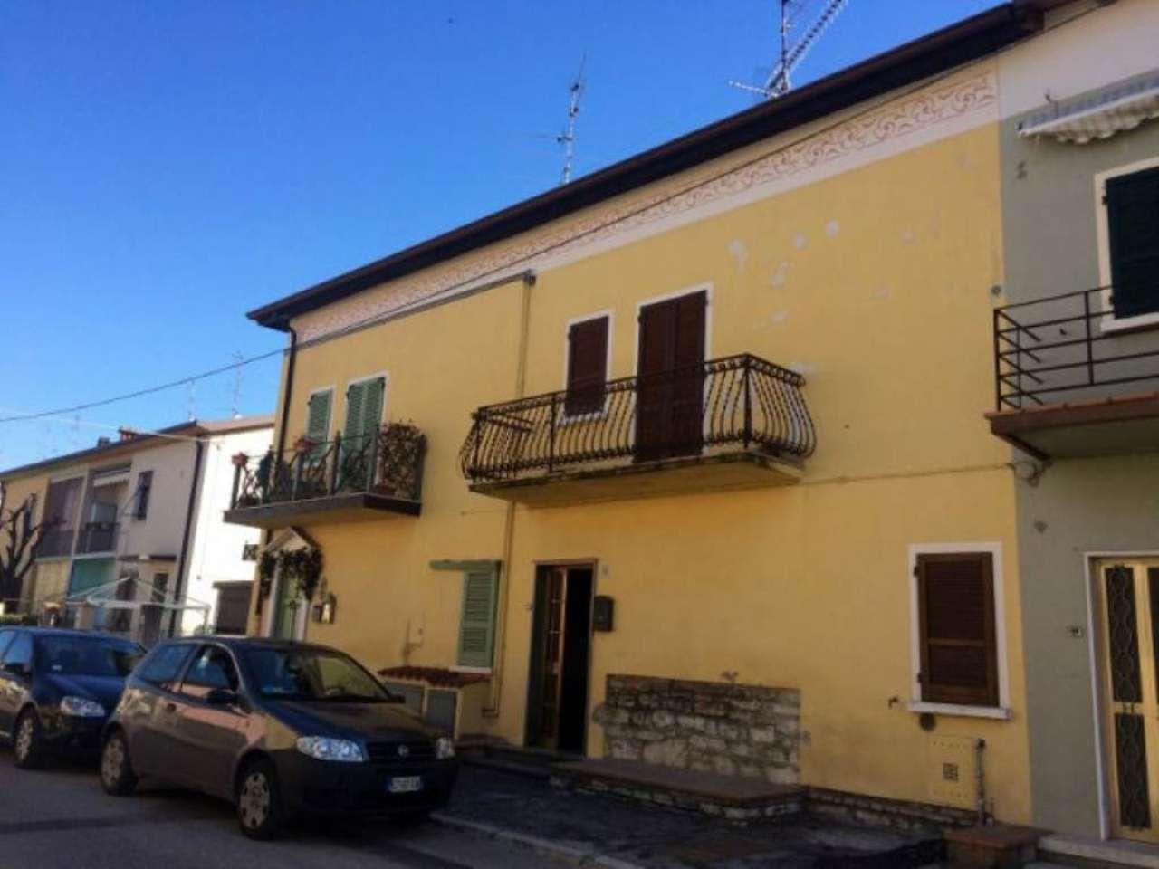 Soluzione Indipendente in vendita a Rezzato, 4 locali, prezzo € 100.000 | Cambio Casa.it
