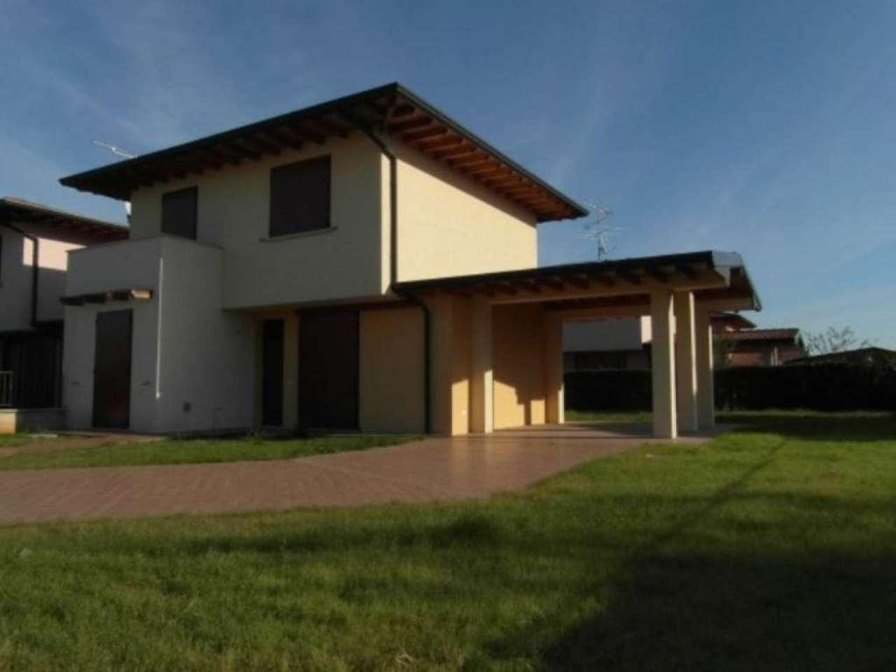 Villa in vendita a Calcinato, 4 locali, prezzo € 225.000 | Cambio Casa.it