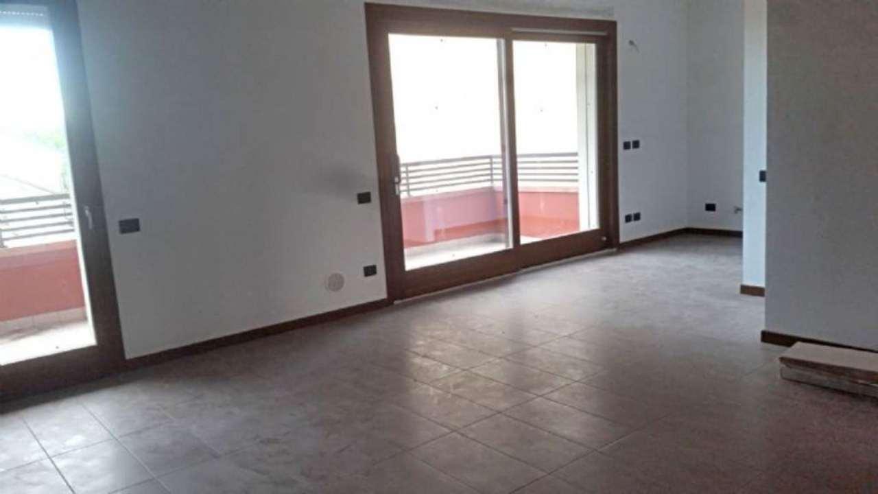 Appartamento in vendita a Nova Milanese, 4 locali, prezzo € 278.000 | Cambio Casa.it