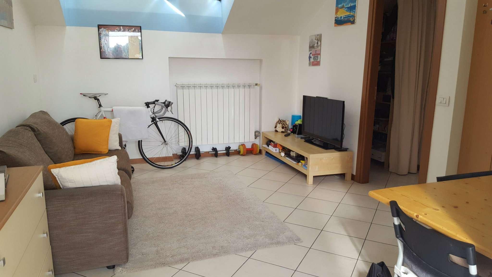 Appartamento in affitto a Muggiò, 1 locali, prezzo € 480   Cambio Casa.it