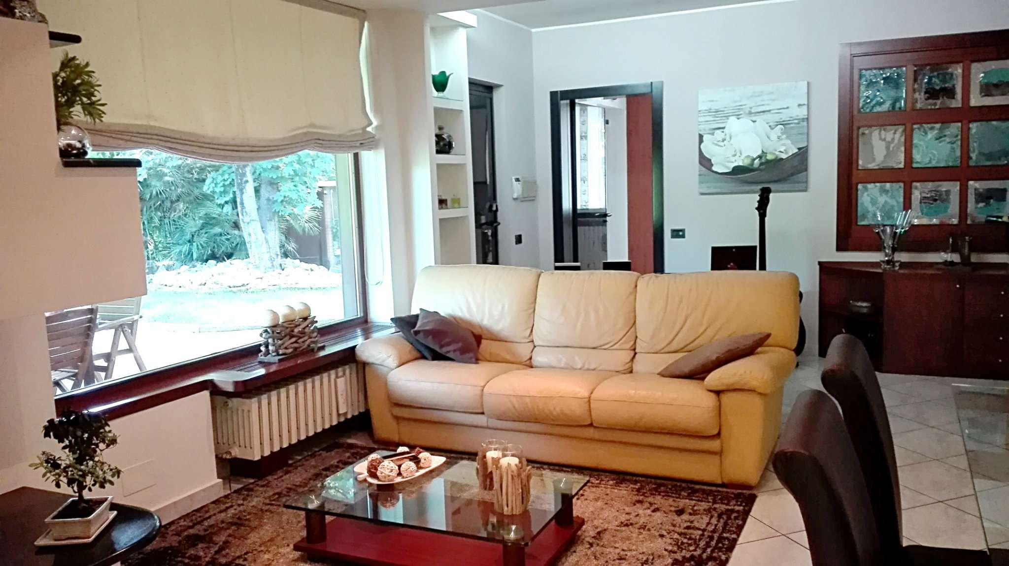 Villa in vendita a Desio, 4 locali, prezzo € 449.000 | Cambio Casa.it