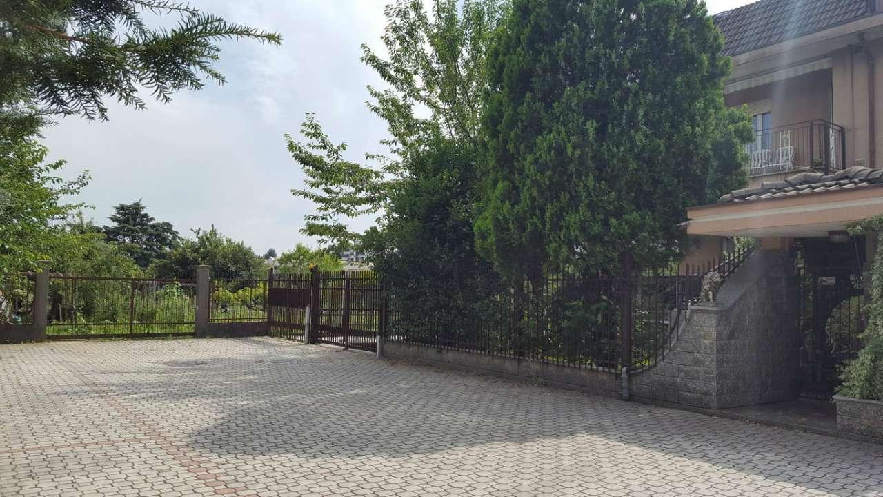 Appartamento in affitto a Muggiò, 3 locali, prezzo € 750 | CambioCasa.it