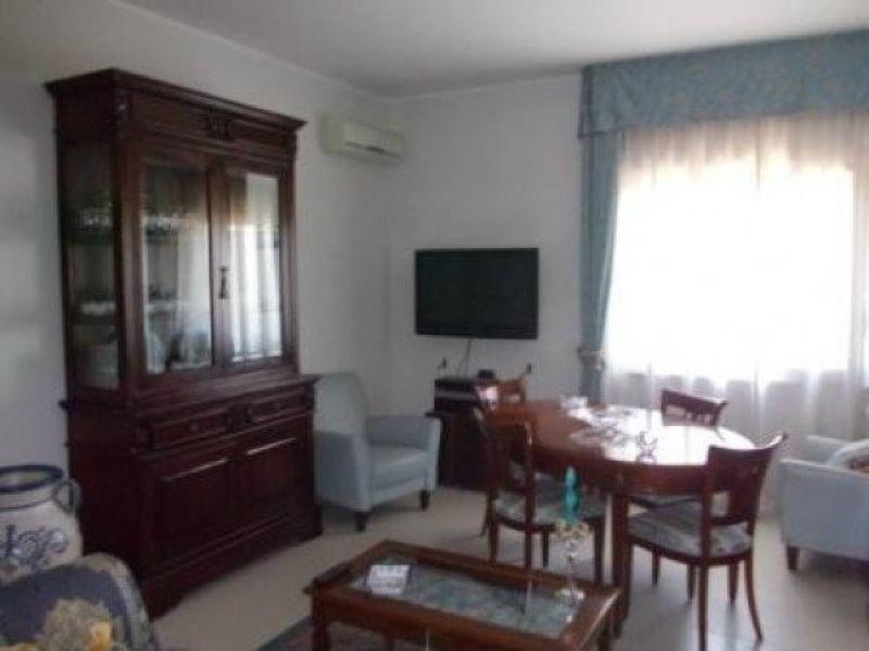Appartamento in vendita a Marigliano, 3 locali, prezzo € 120.000   CambioCasa.it