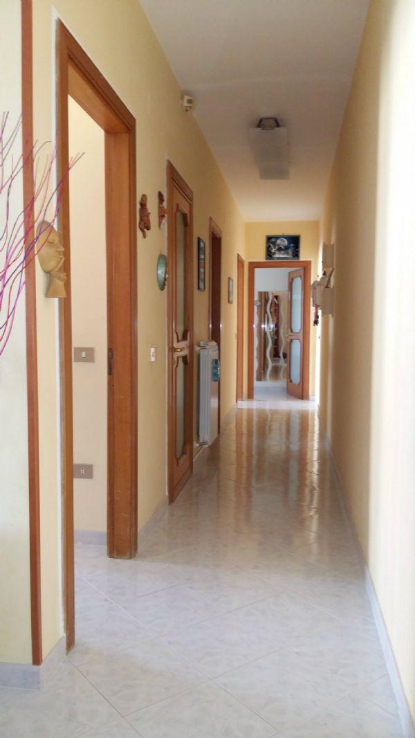 Appartamento in vendita a Marigliano, 3 locali, prezzo € 130.000 | Cambio Casa.it