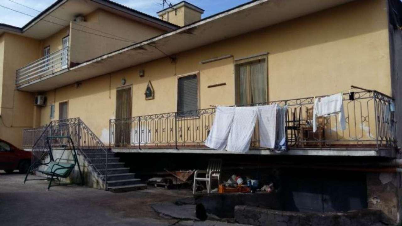 Soluzione Indipendente in vendita a Marigliano, 3 locali, prezzo € 180.000 | Cambio Casa.it