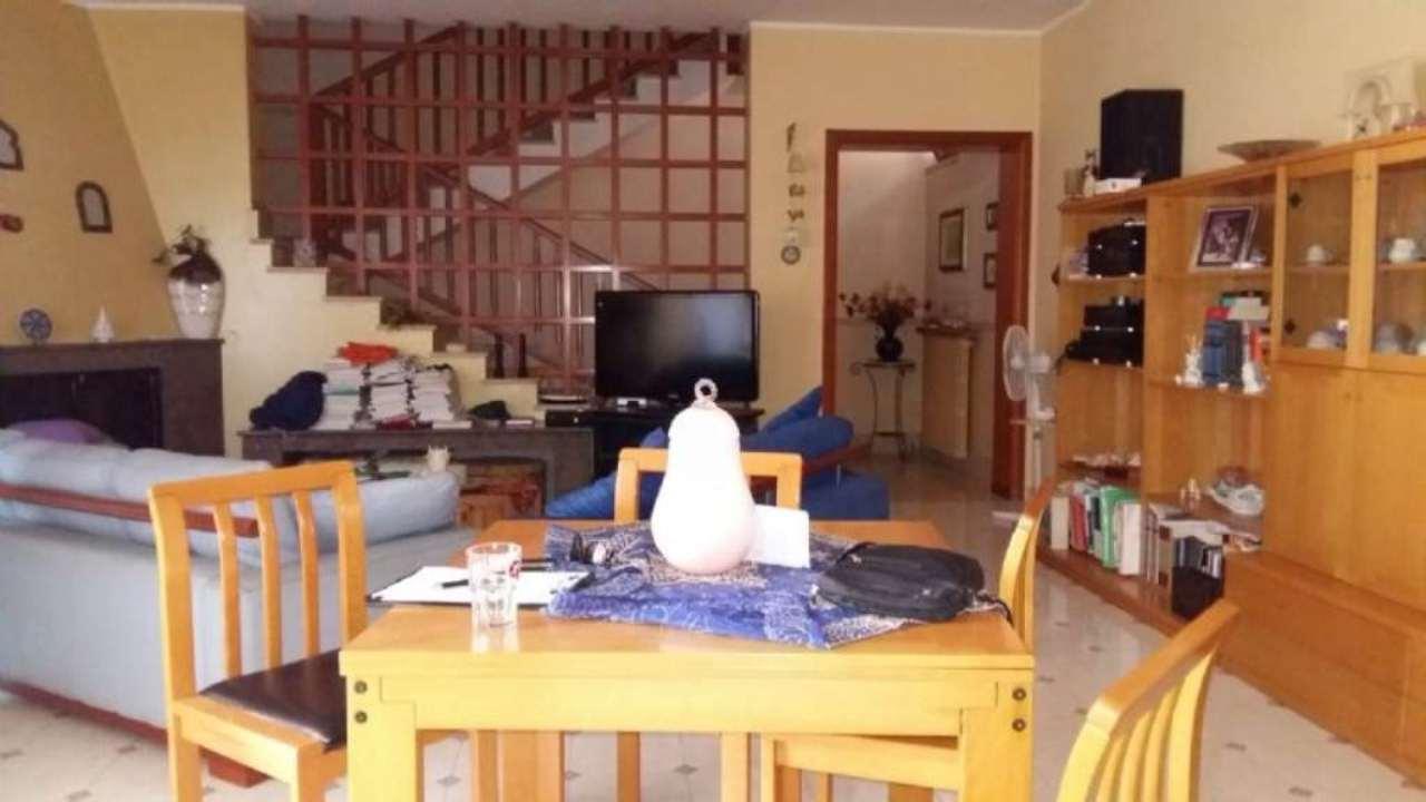 Soluzione Indipendente in vendita a Marigliano, 3 locali, prezzo € 195.000 | Cambio Casa.it