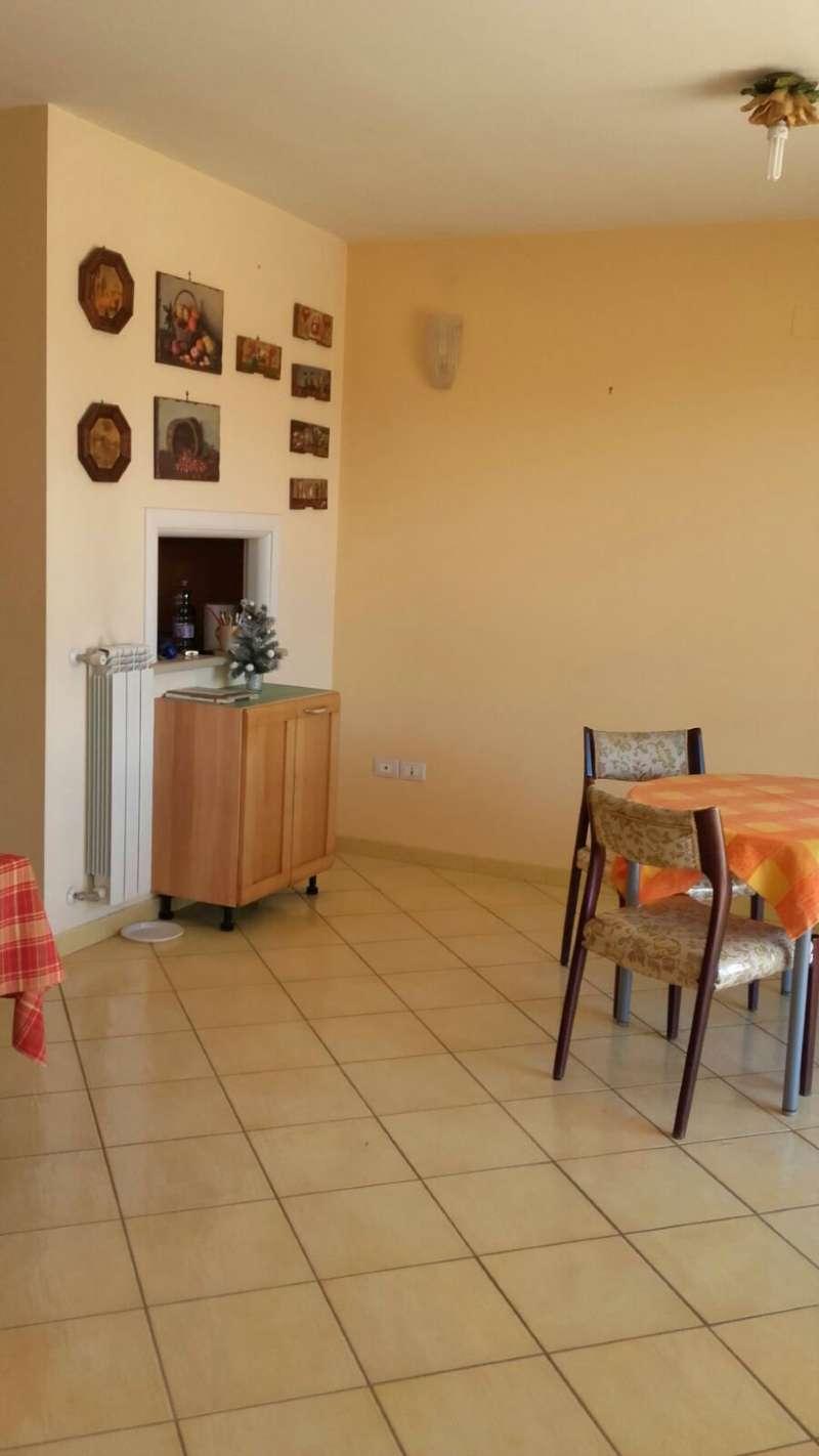 Soluzione Indipendente in vendita a Marigliano, 5 locali, prezzo € 275.000 | CambioCasa.it