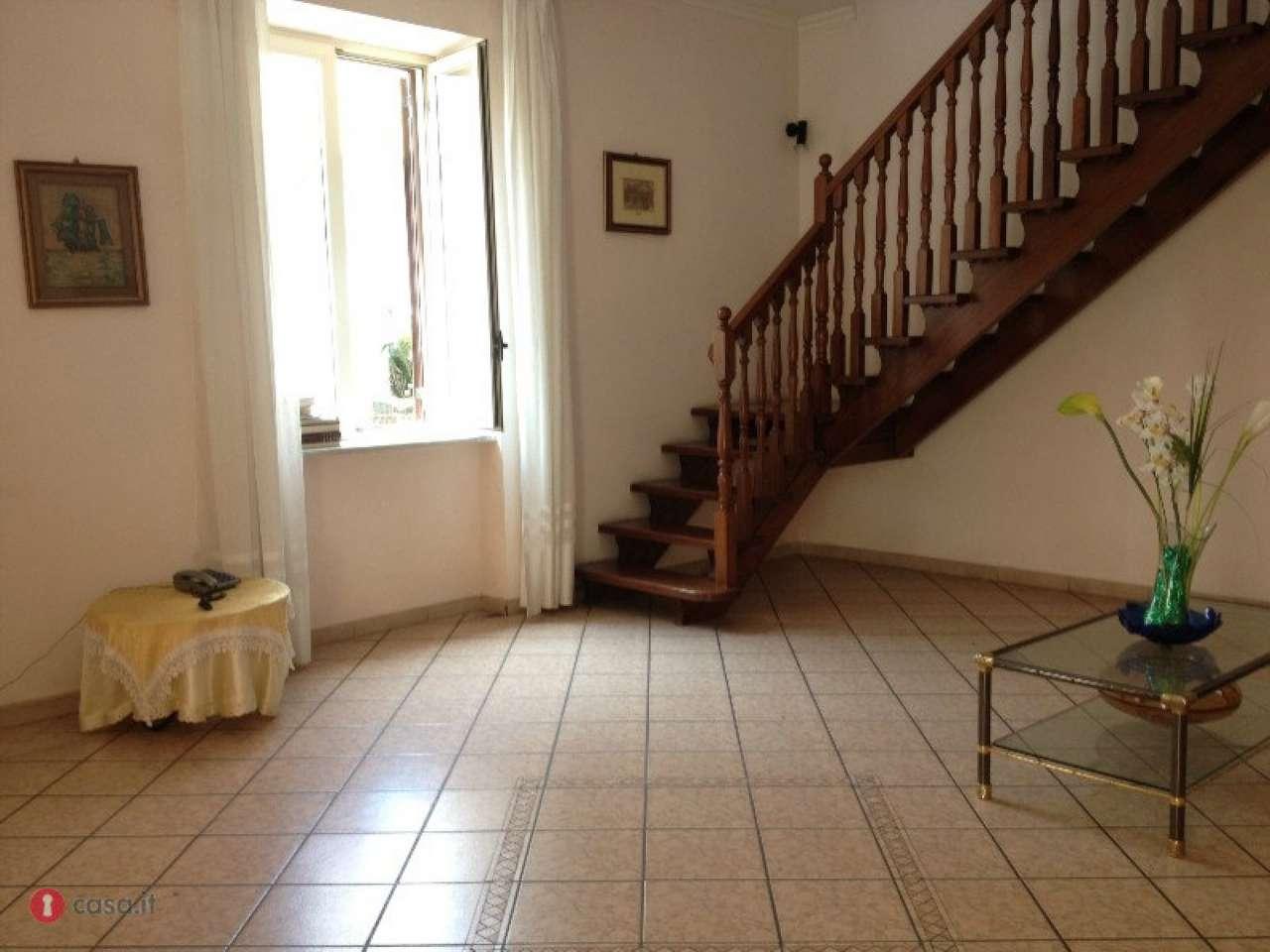 Soluzione Indipendente in vendita a Marigliano, 6 locali, prezzo € 230.000   Cambio Casa.it