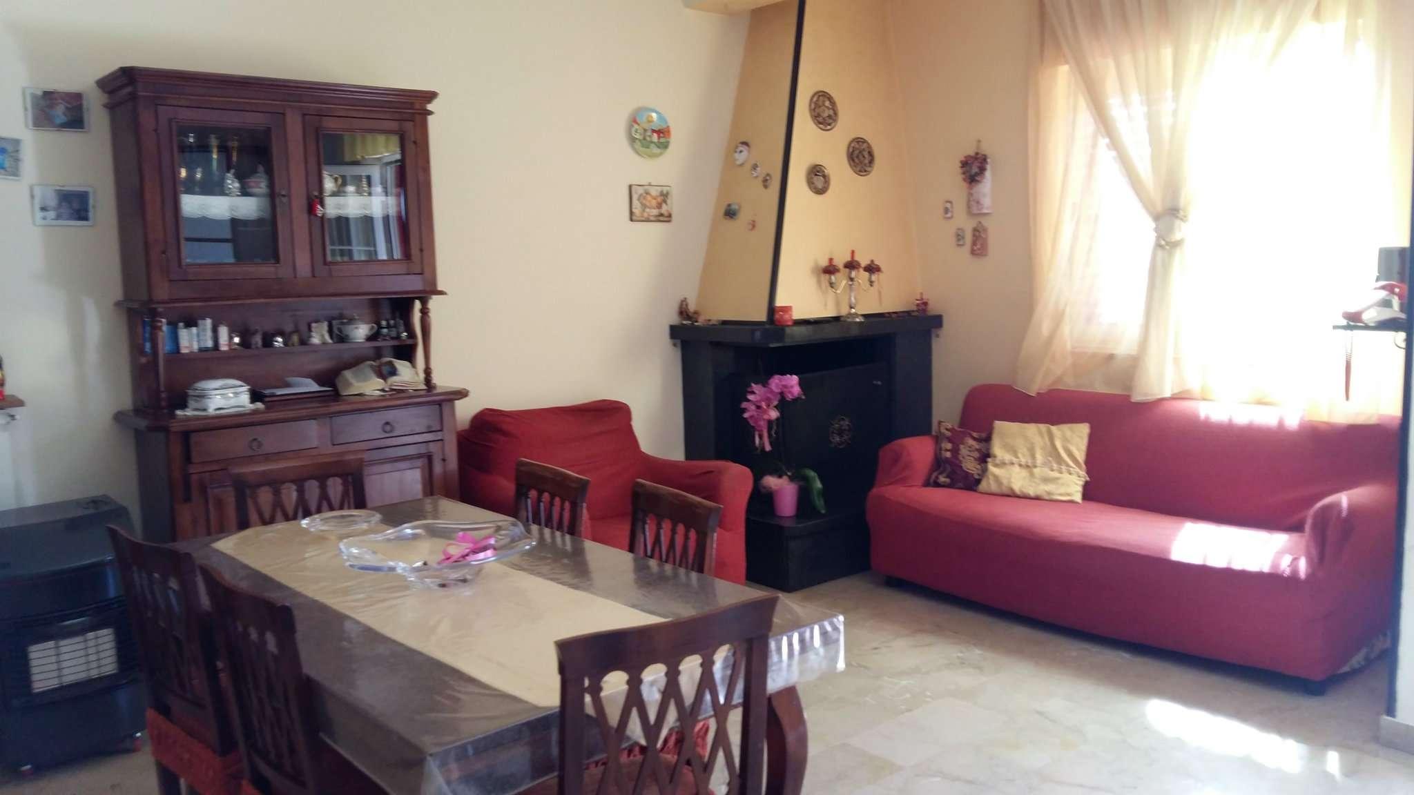 Villa in vendita a Mariglianella, 4 locali, prezzo € 190.000 | CambioCasa.it