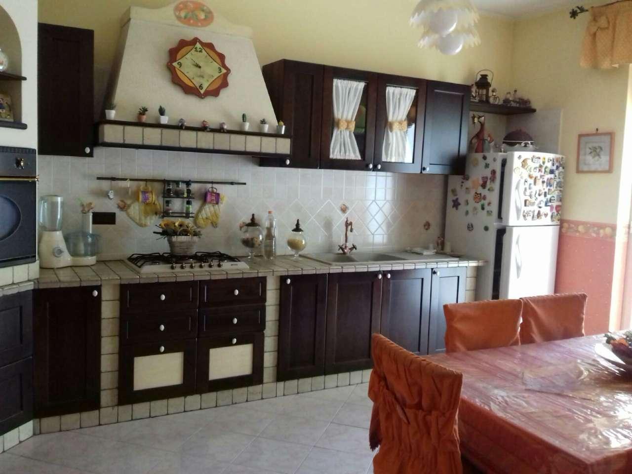 Appartamento in vendita a Mariglianella, 4 locali, prezzo € 160.000 | CambioCasa.it