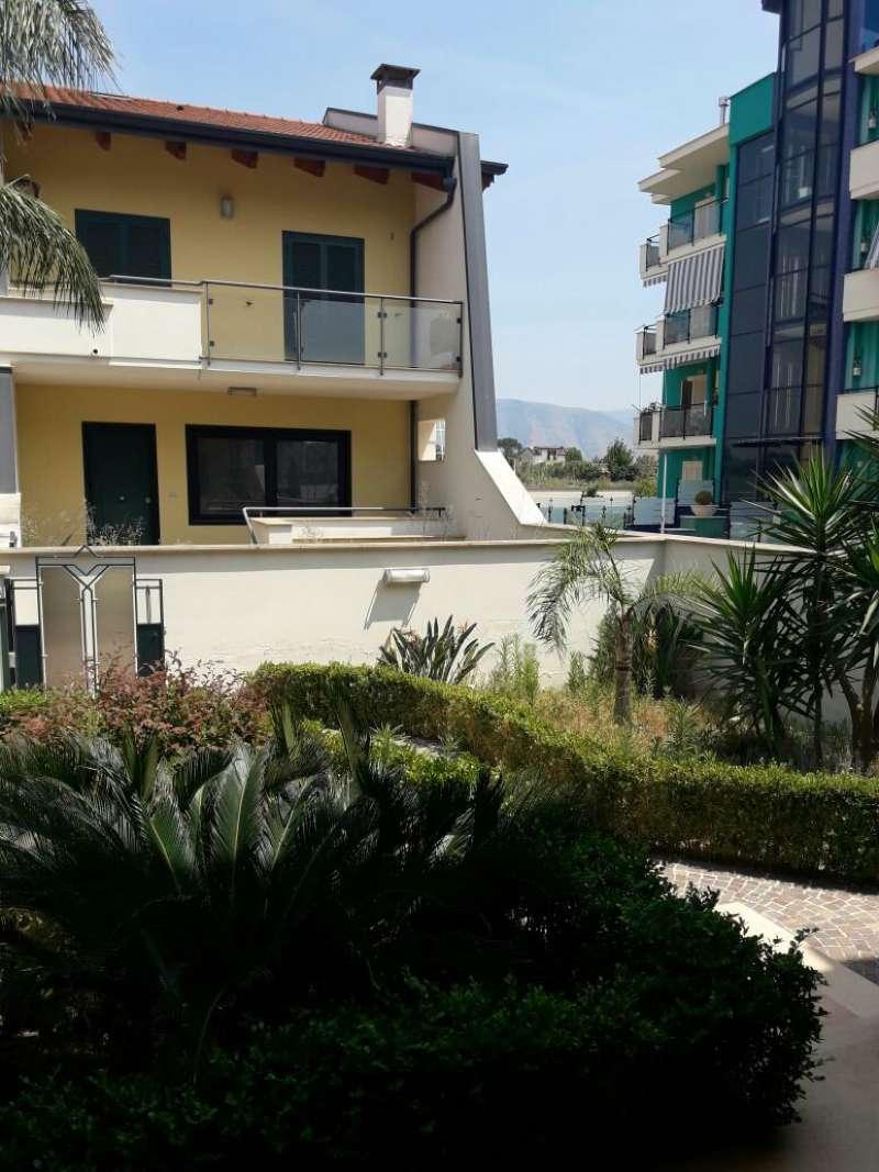 Villa a Schiera in vendita a Marigliano, 6 locali, prezzo € 400.000 | Cambio Casa.it