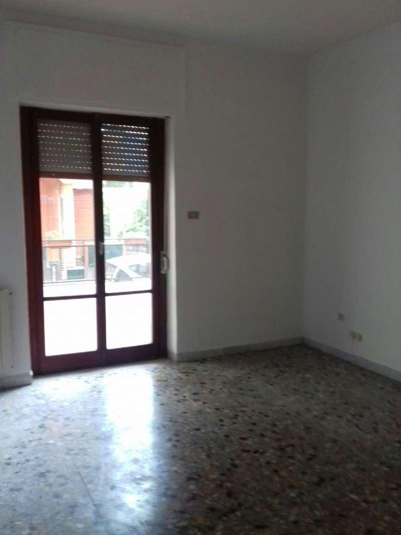 Appartamento in affitto a Marigliano, 3 locali, prezzo € 300 | CambioCasa.it