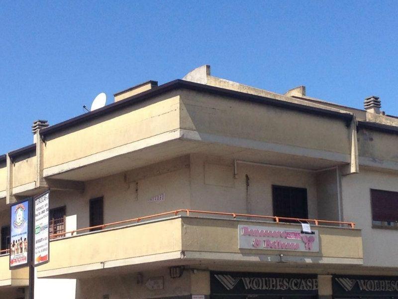 Attività / Licenza in vendita a Fonte Nuova, 4 locali, prezzo € 50.000 | Cambiocasa.it