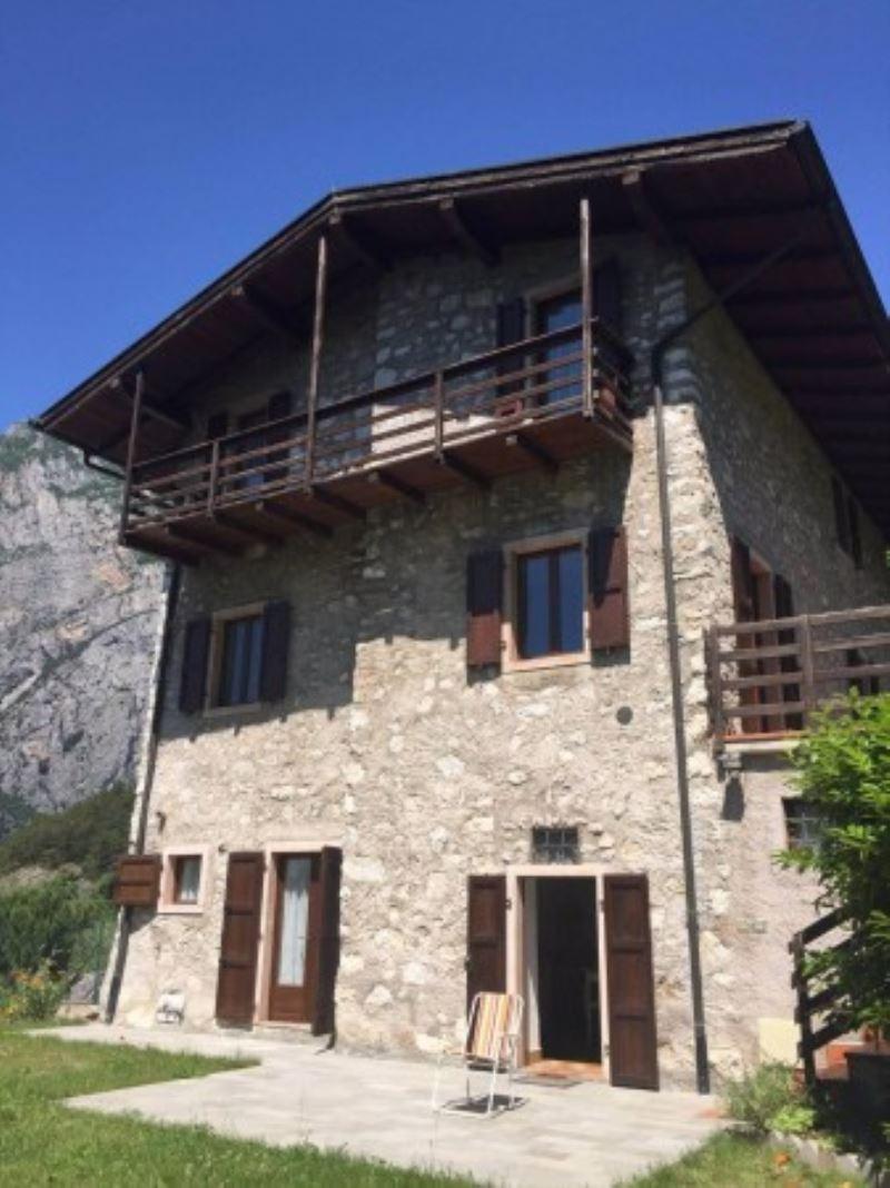 Rustico / Casale in vendita a Lasino, 6 locali, Trattative riservate | Cambio Casa.it
