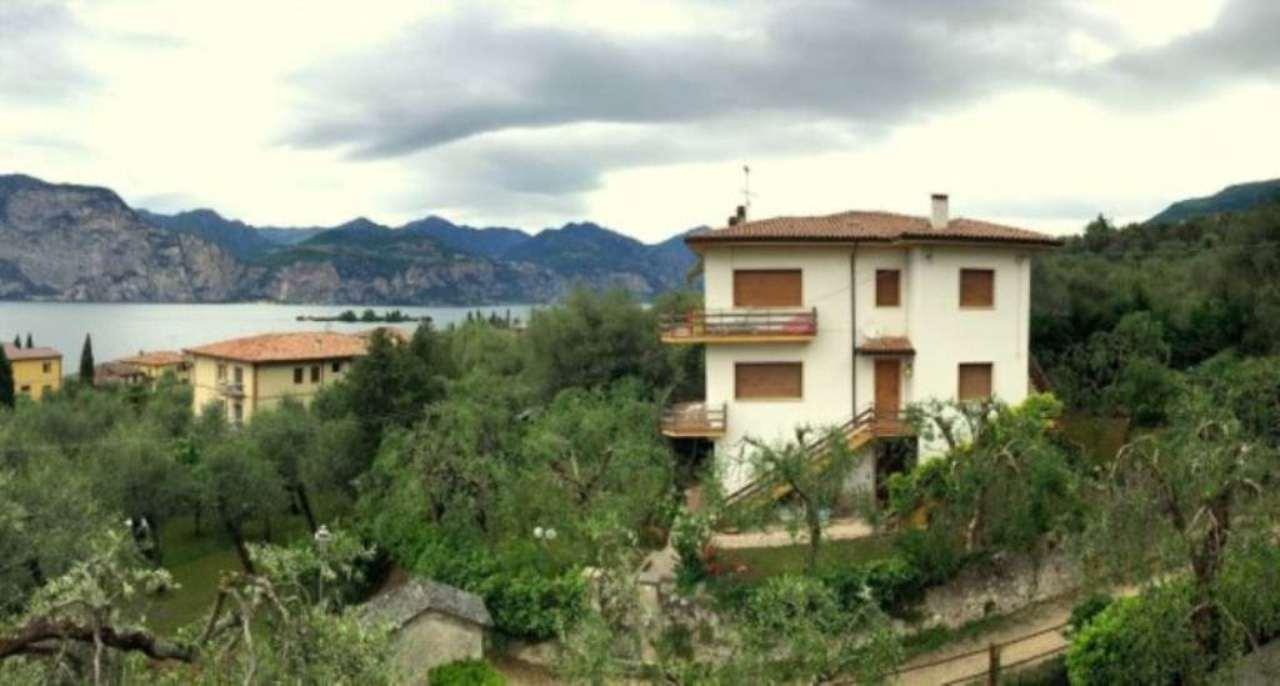 Villa in vendita a Brenzone, 6 locali, prezzo € 690.000 | Cambio Casa.it