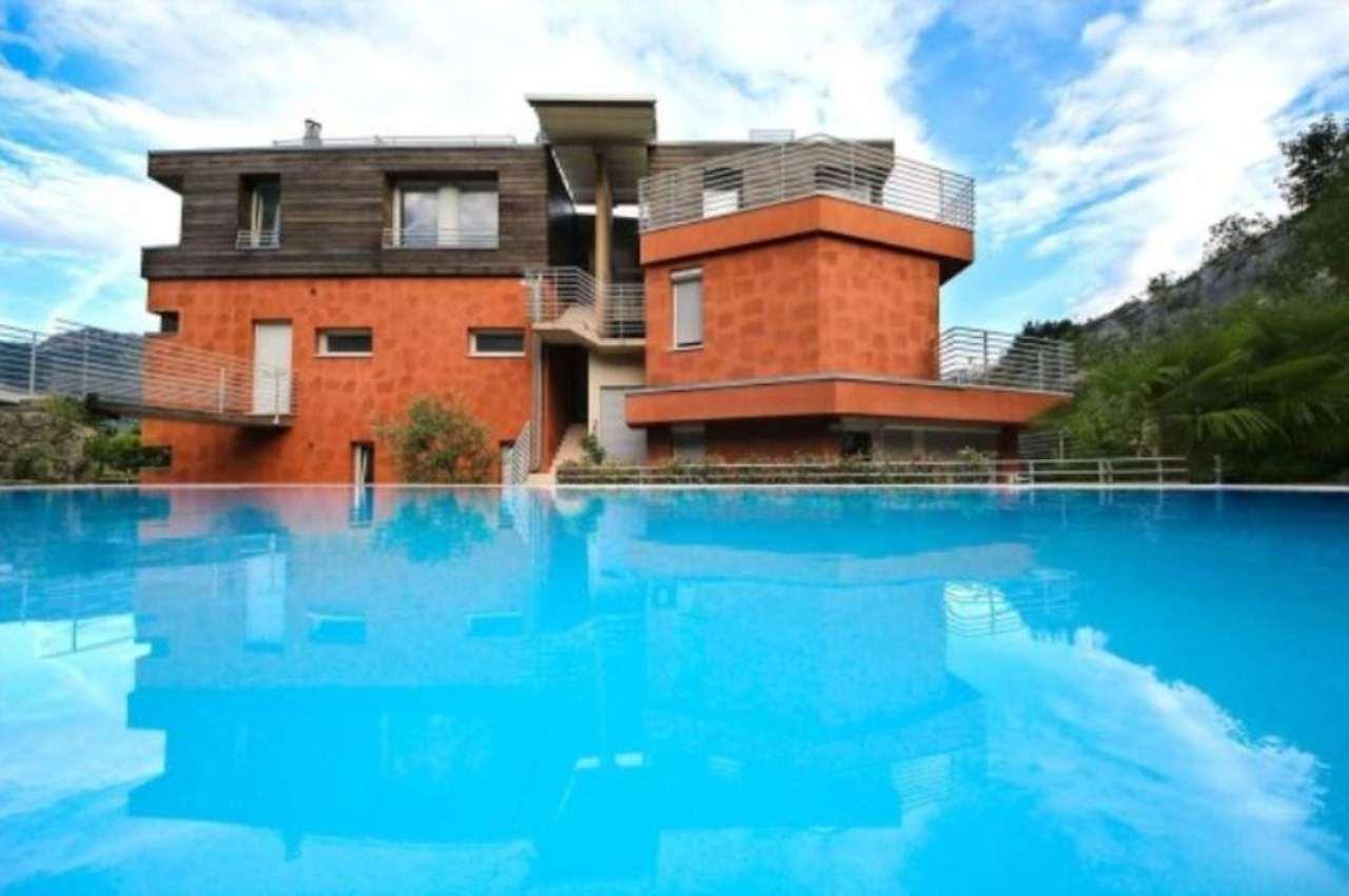 Attico / Mansarda in vendita a Nago-Torbole, 6 locali, Trattative riservate | Cambio Casa.it