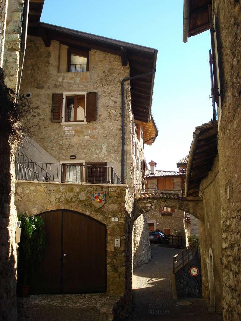 Soluzione Semindipendente in vendita a Tenno, 9999 locali, prezzo € 590.000   Cambio Casa.it