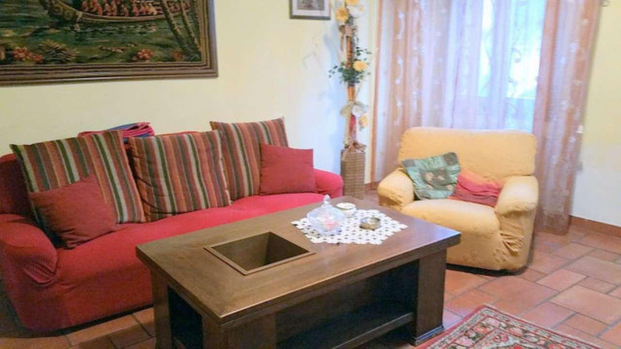 Palazzo / Stabile in vendita a Prato, 4 locali, prezzo € 298.000   Cambio Casa.it