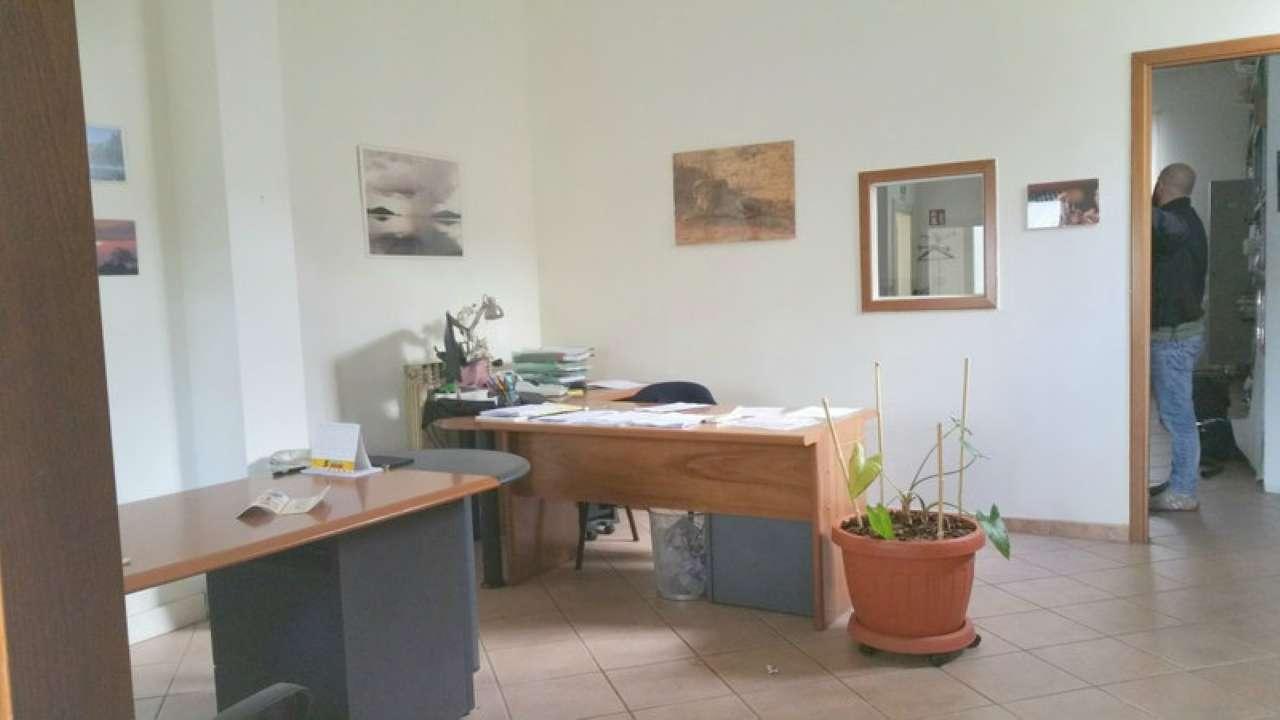 Negozio / Locale in affitto a Prato, 2 locali, prezzo € 600 | CambioCasa.it