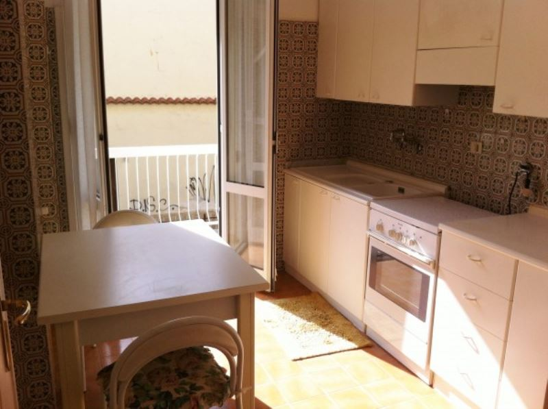 Bilocale Bordighera Via Vittorio Emanuele 1