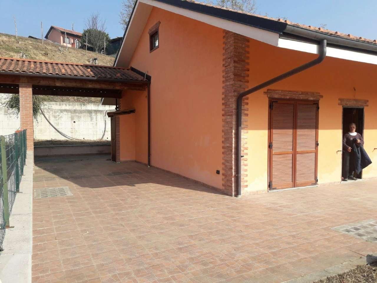 Villa in vendita a Mombello di Torino, 4 locali, prezzo € 215.000 | CambioCasa.it