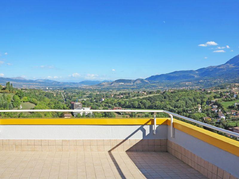 Appartamento in vendita a L'Aquila, 6 locali, prezzo € 450.000   Cambio Casa.it