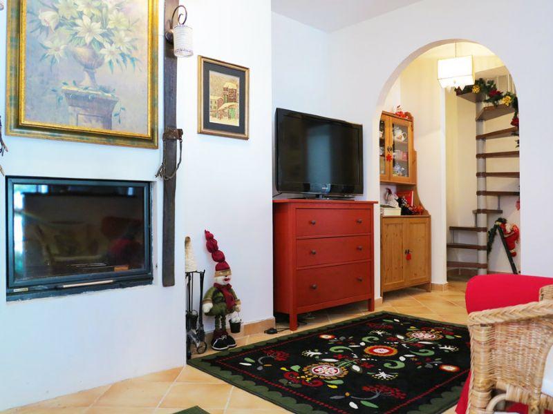 Appartamento in vendita a Rocca di Cambio, 3 locali, prezzo € 155.000 | Cambio Casa.it