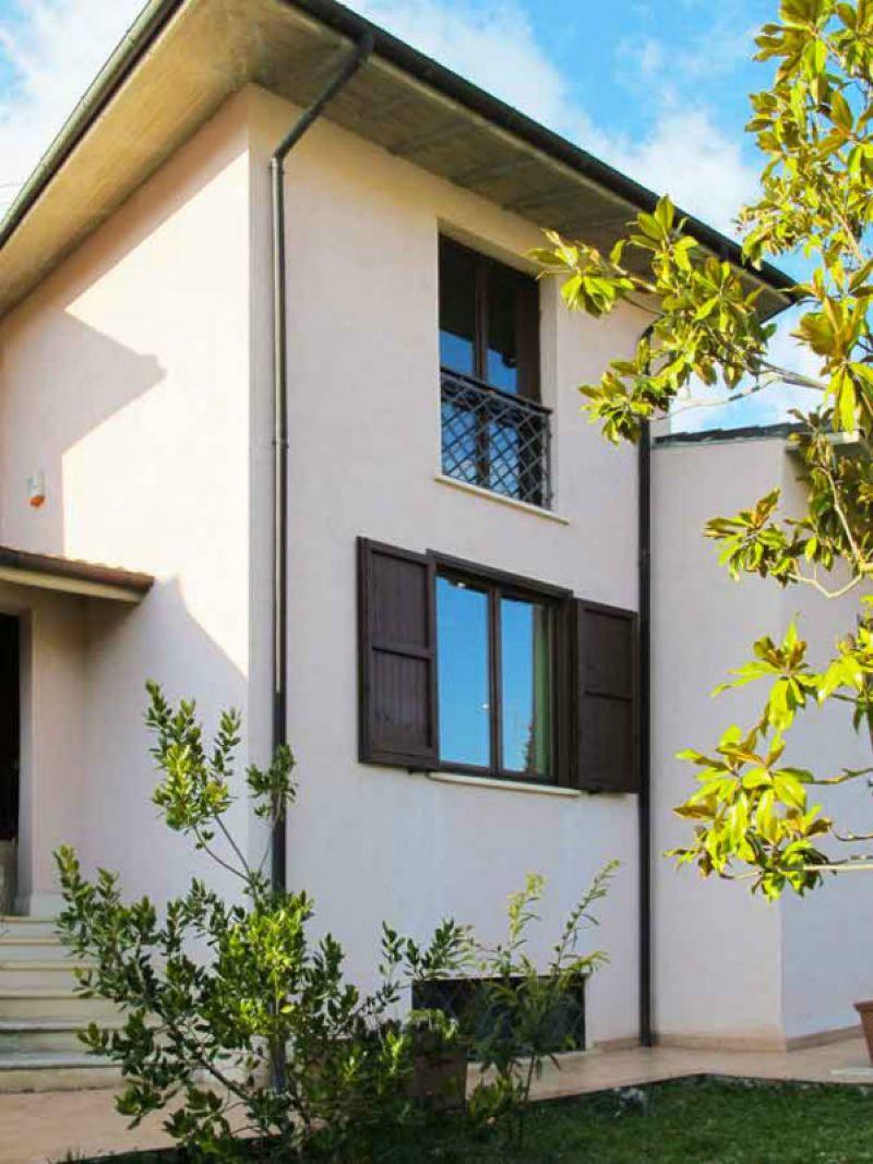 Villa in vendita a Poggio Picenze, 6 locali, Trattative riservate | Cambio Casa.it
