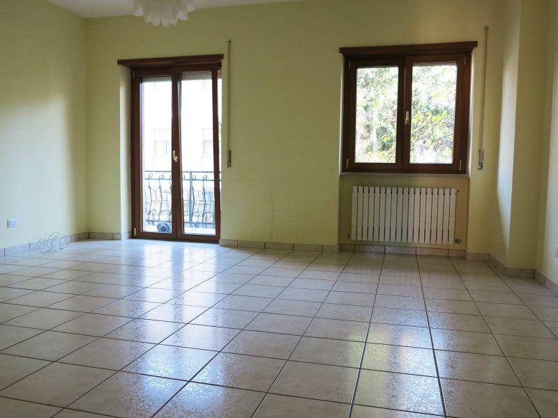 Appartamento in vendita a L'Aquila, 4 locali, prezzo € 250.000 | Cambio Casa.it