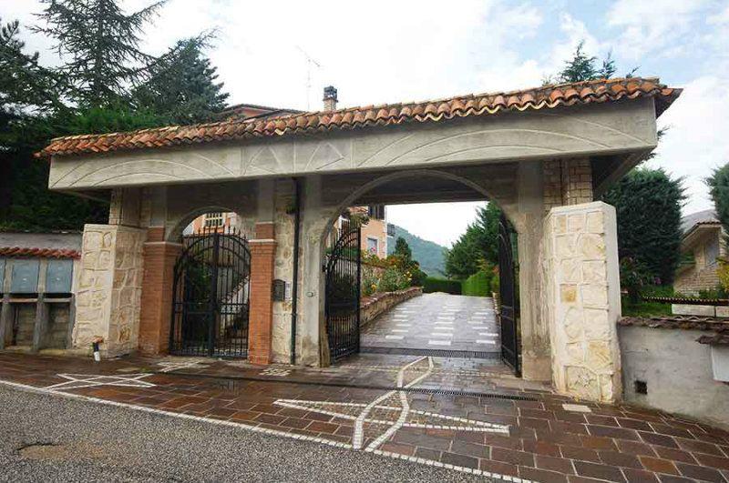 Soluzione Semindipendente in affitto a Cagnano Amiterno, 6 locali, Trattative riservate | Cambio Casa.it