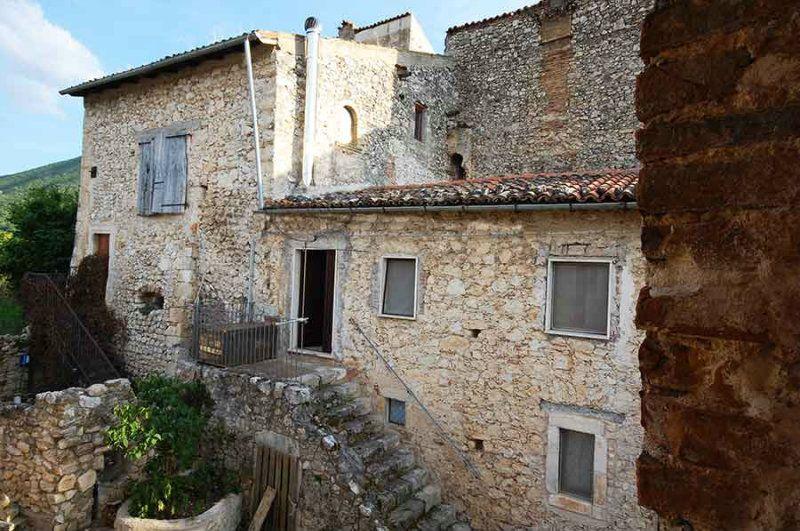 Soluzione Indipendente in vendita a Tione degli Abruzzi, 3 locali, prezzo € 60.000 | Cambio Casa.it