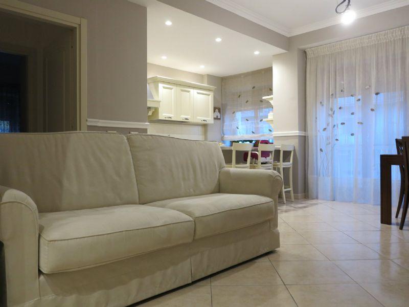 Appartamento in vendita a L'Aquila, 4 locali, prezzo € 185.000 | Cambio Casa.it