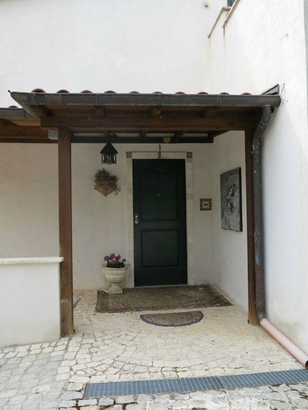 Villa in vendita a L'Aquila, 7 locali, Trattative riservate | Cambio Casa.it